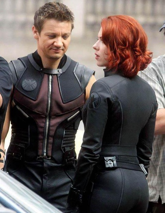 Maybe he was distracted by Jeremy Renner Hawkeye Ass