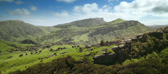 It's sweeping images like this that help sell Middle-Earth to the audience