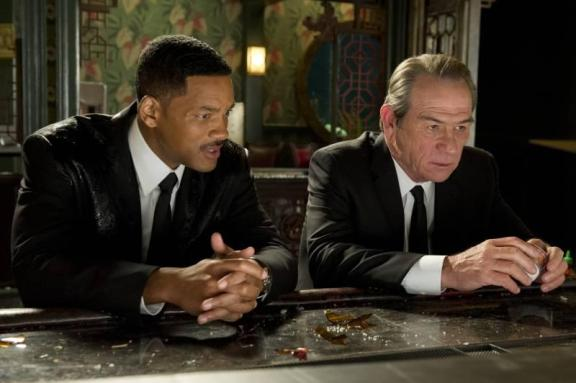 Will-Smith-and-Tommy-Lee-Jones-in-in-Men-in-Black-3-2012-Movie-Image