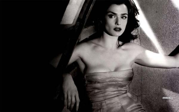 rachel-weisz-strepless-dress