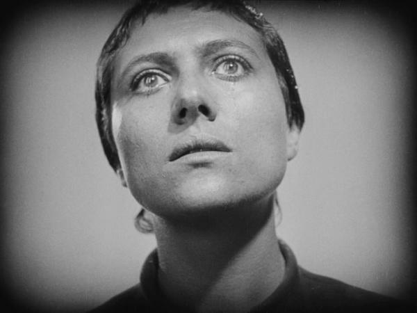 The.Passion.of.Joan.of.Arc.1928.720p.BluRay.x264-GABE.mkv_snapshot_00.06.07_[2013.12.01_19.51.22]