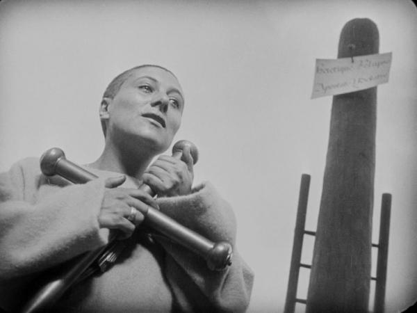 The.Passion.of.Joan.of.Arc.1928.720p.BluRay.x264-GABE.mkv_snapshot_01.25.04_[2013.12.01_20.04.10]