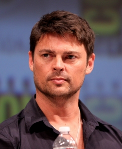 Karl_Urban_by_Gage_Skidmore