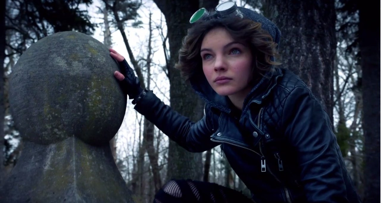 Image result for gotham tv show catwoman and poison ivy