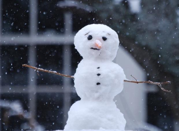 sad-snowman-by-mgshelton