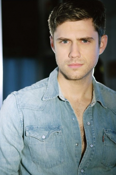 600full-aaron-tveit