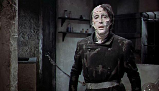 The-Curse-of-Frankenstein-Creature-17