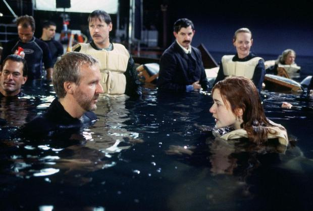 james-cameron-and-kate-winslet-in-titanic-set-titanic-224185283