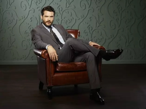 charlie-weber-as-frank-delfino-how-to-get-away-with-murder