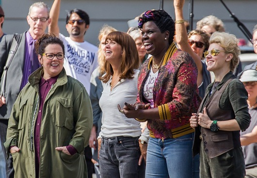 Kristen Wiig, Melissa McCarthy, Kate McKinnon and Leslie Jones are filming a scene of Ghosbusters in New York. Pictured: Melissa McCarthy, Kristen Wiig, Leslie Jones, and Kate McKinnon Ref: SPL1131732 190915 Picture by: TMNY / Splash News Splash News and Pictures Los Angeles:310-821-2666 New York:212-619-2666 London:870-934-2666 photodesk@splashnews.com