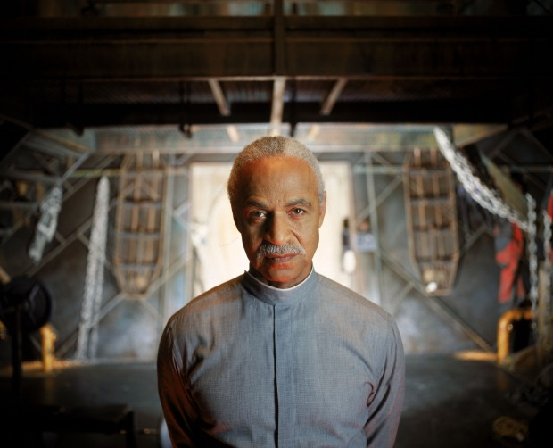 firefly-serenity-ron-glass-dvdbash-4