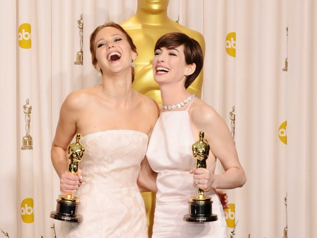 """You're the best!"" ""No you are!"" ""No you are!"" #SmileyFace #Oscars #Besties"