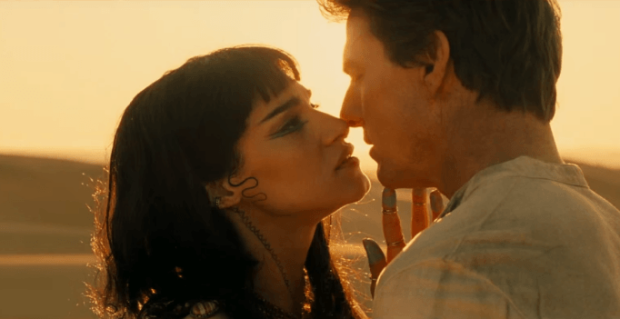 tom-cruise-and-sofia-boutella