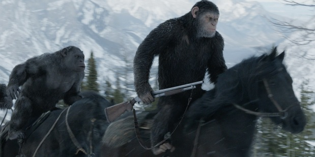 War-for-the-Planet-of-the-Apes-Caesar-and-Rocket-on-horses